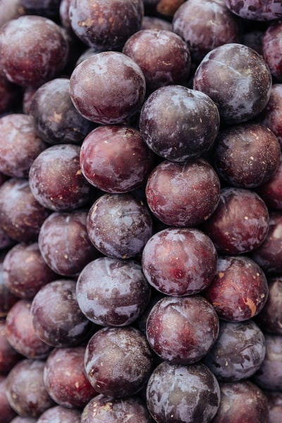 Pile of plums