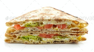 Sandwich with salmon and cream cheese