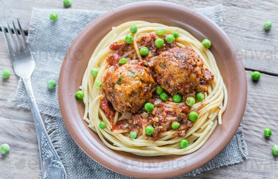 Turkey meatballs with pasta and fresh peas
