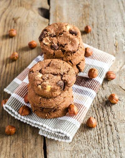 Dark chocolate and hazelnut cookies