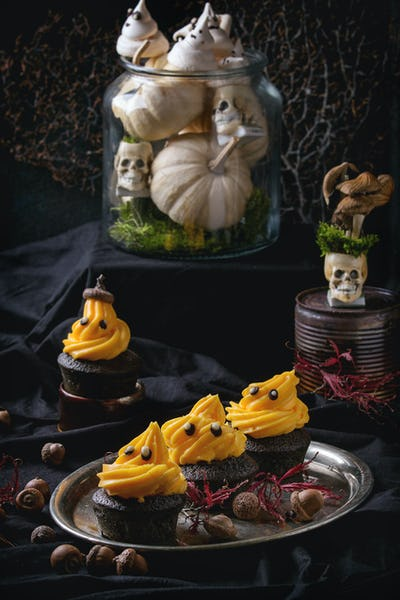 Halloween decorated sweet table