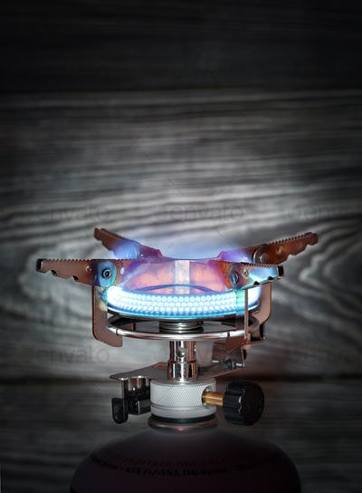 Burning portable gas burner