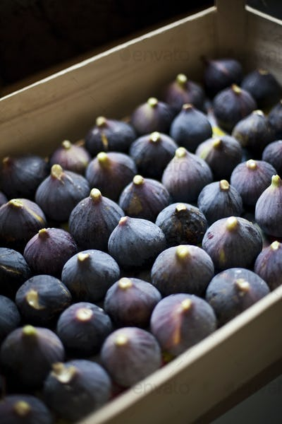 Figs in a crate