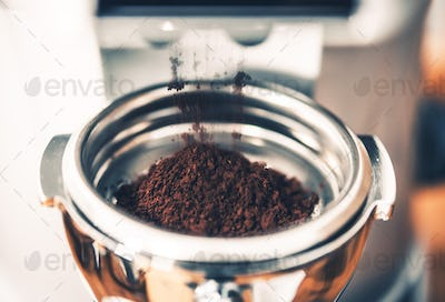 Filing Portafilter with Coffee