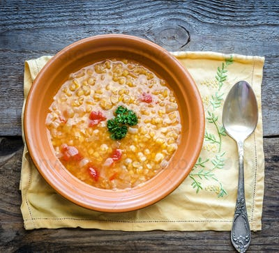 Soup with red lentils and bulgur
