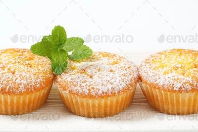 Pudding filled lemon cupcakes
