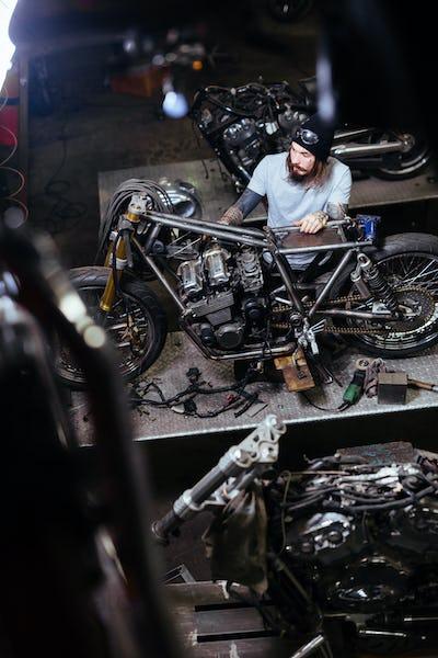 Repairing motor