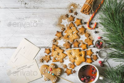 Christmas tree made by cookies and cinnamon