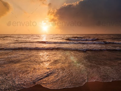 Tropical vacation background - ocean sea sunrise