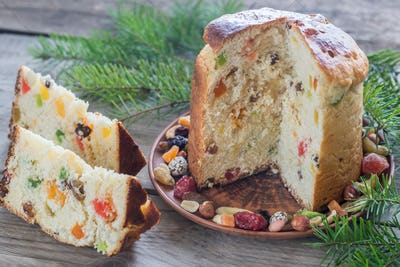 Panettone with dried fruits