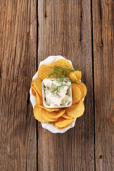 Corn chips and curd cheese