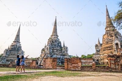 Tourists visiting at Wat Phra Sri Sanphet