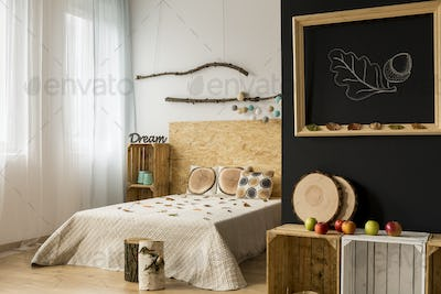 Bedroom with autumn-inspired interior