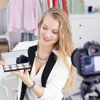 Make up vlogger recording broadcast