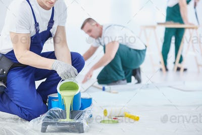 Green color to paint