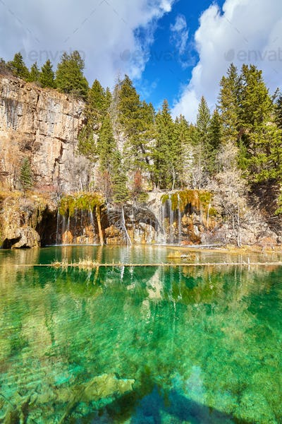 Hanging Lake, Glenwood Canyon, Colorado, USA.