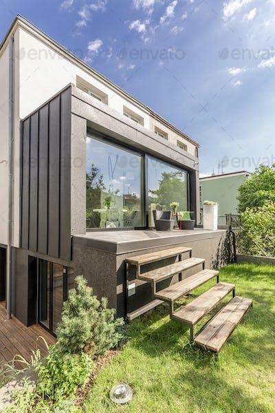 Detached house with a veranda