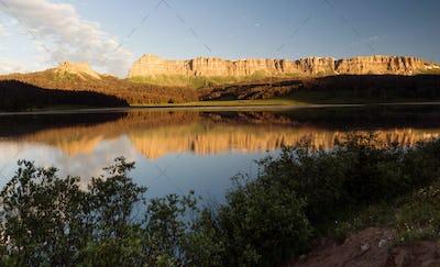 Brooks Lake Breccia Cliffs Mountain Range Shoshone National Forest