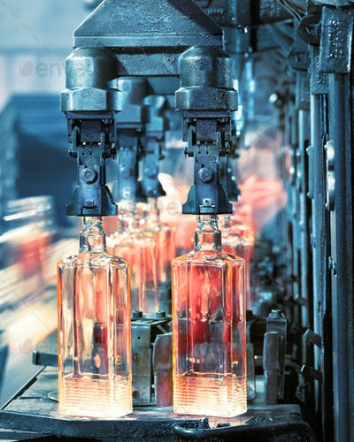 The machine for the production of glass bottles in the productio