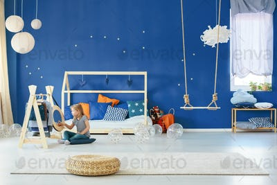 Star bedroom with swing