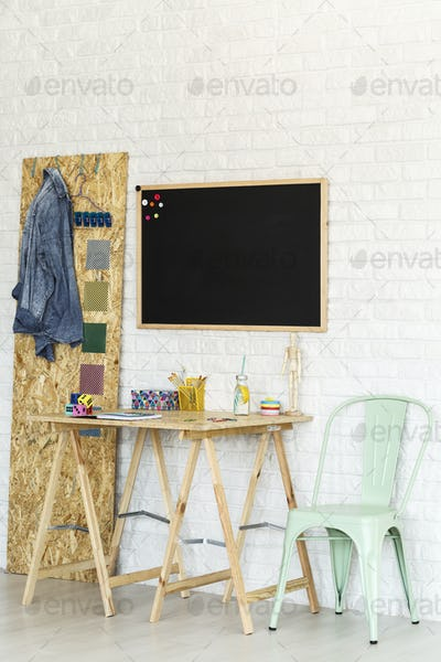 Simple workspace with osb desk