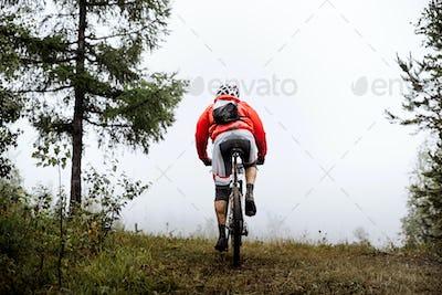 Back Racer Mountainbiker