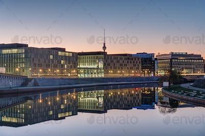 Sunrise at the river Spree in Berlin