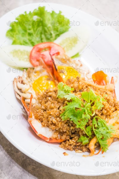 Fried prawn with garlic