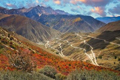 Stunningly beautiful mountain road in Yunnan