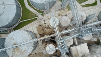 Bird's eye view of granaries and elevators