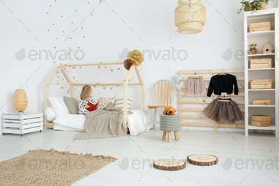 Girl's bedroom in scandinavian style