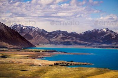 Landscape view of lakes and mountains, Lake Tekapo, New Zealand