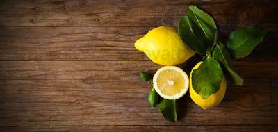 lemon  on table
