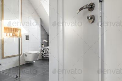 Simple clean bathroom for minimalist