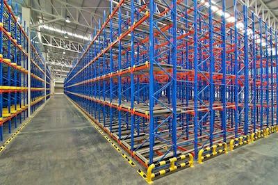 Distribution center warehouse storage pallet racking system