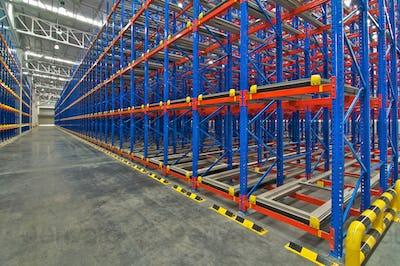 Pallet storage racking system for storage distribution center