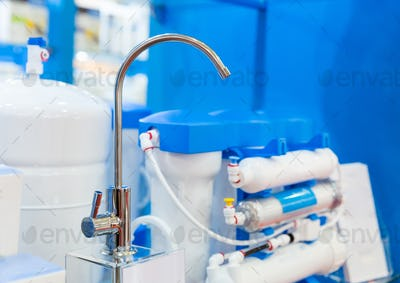 Water filter system or osmosis, water-purification