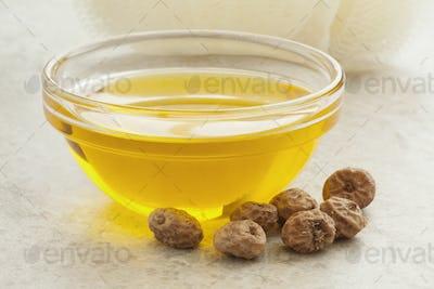 Chufa oil and nuts