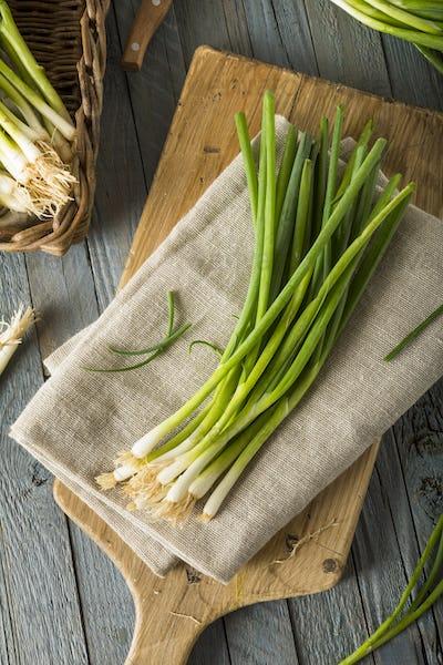 Raw Organic Green Onions