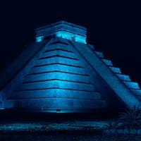 Pyramid of Chichen Itza