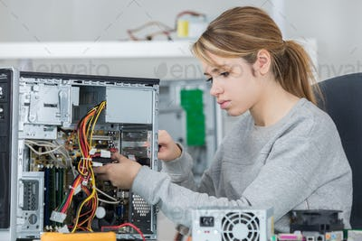 hardware unit engineer