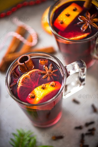 Christmas food and drink, mulled wine
