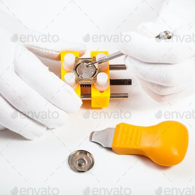 cleaning battery place in quartz watch
