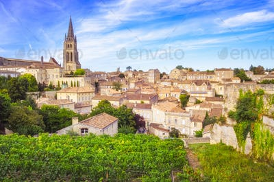 Colorful landscape view of Saint Emilion village in Bordeaux region