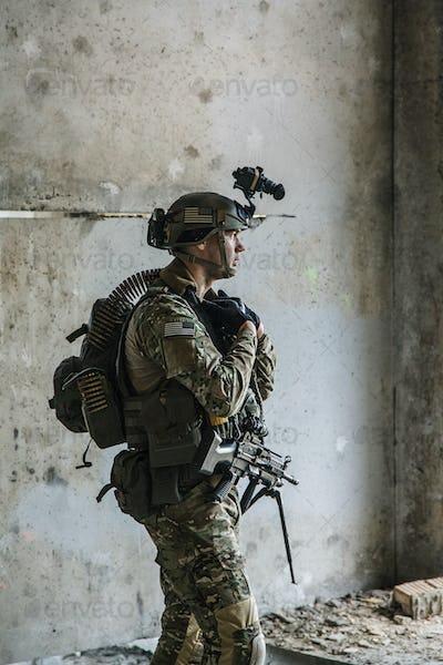 US Army Ranger with machinegun