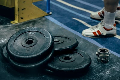 Bumper plates are on floor