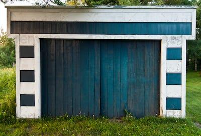 Garage in nature