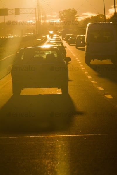 Sun's rays striking the windshield - DANGER !