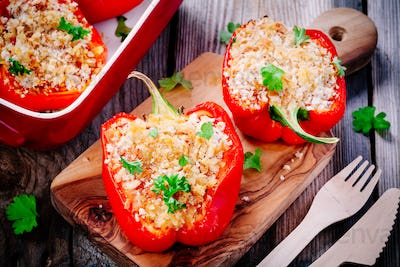 stuffed paprika with breadcrumbs and parsley