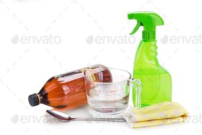 Apple cider vinegar, effective natural solution for house cleani